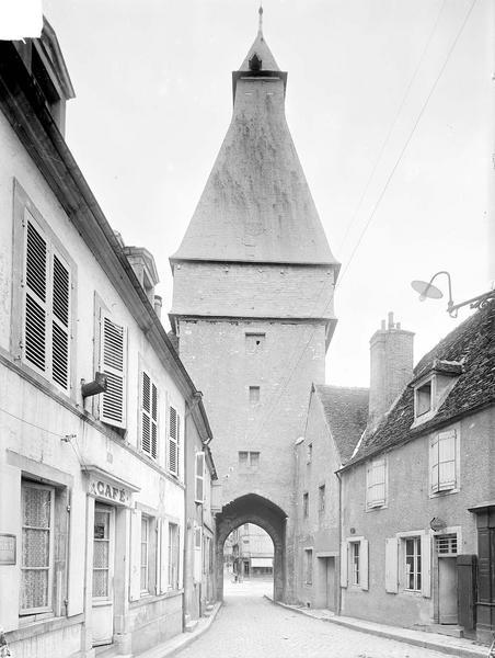 Tour de l' Horloge Côté ouest, Heuzé, Henri (photographe),