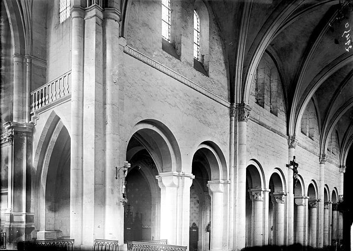 Cathédrale Saint-Dié Nef: travées, Enlart, Camille (historien),