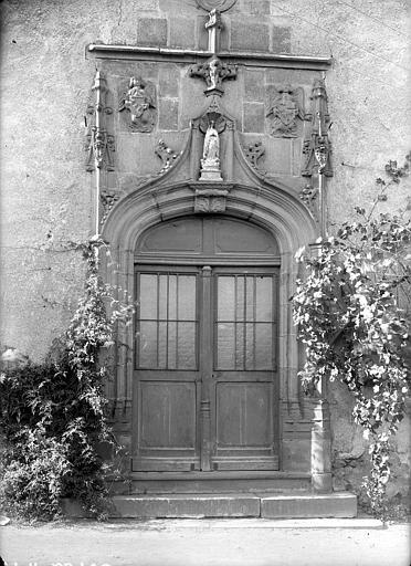 Couvent du Bon Pasteur ou des Cordeliers Façade sur rue : Porte du 16ème siècle, Jarron (photographe),