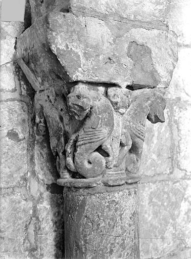 Eglise Saint-Jean de Montierneuf Chapiteau : Animaux adossés, Gossin (photographe),