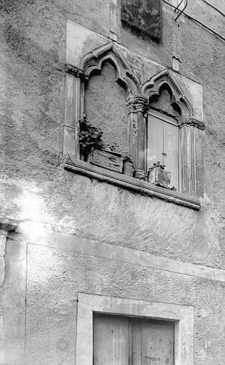 Maison Façade: partie, vue diagonale, Enlart, Camille (historien),