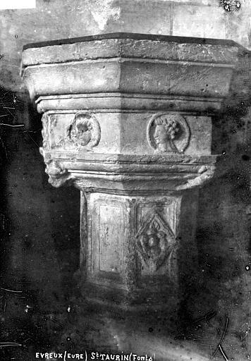 Eglise Saint-Taurin Fonts, Robert, Paul (photographe),