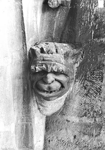 Cathédrale Notre-Dame Transept nord, tête d'amortissement d'arc, Lajoie, Abel,