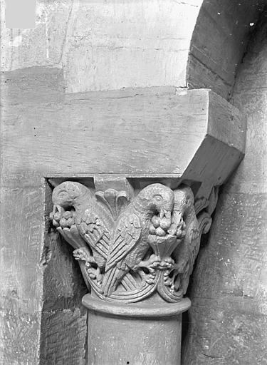 Eglise Saint-Jean de Montierneuf Chapiteau : Oiseaux, Gossin (photographe),