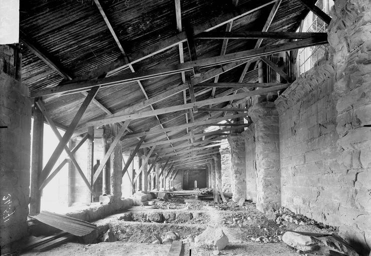 Cathédrale Notre-Dame Couverture provisoire, charpente du bas-côté nord, vue du portail ouest, Verneau, G.,