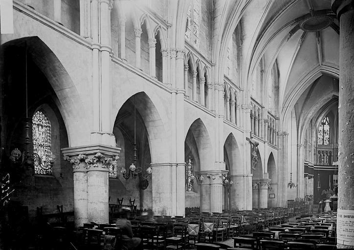 Eglise saint-Jacques (supposée) Nef vue de l'entrée, Enlart, Camille (historien),