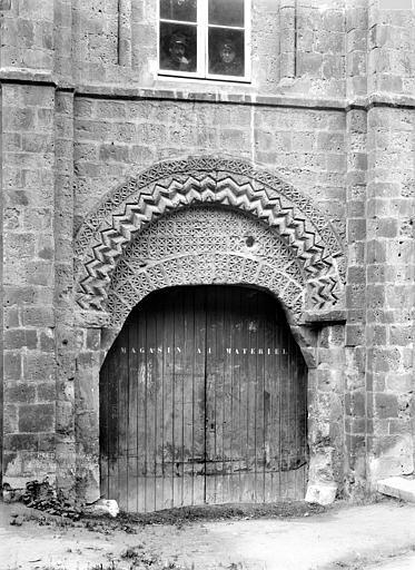 Château Porte de la Salle de l'Echiquier, Durand, Jean-Eugène (photographe),