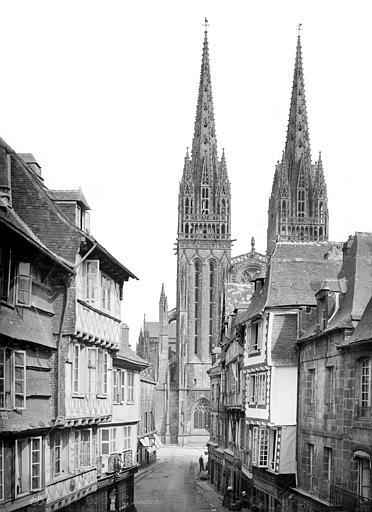 Cathédrale Saint-Corentin Façade ouest prise d'une rue, Mieusement, Médéric (photographe),
