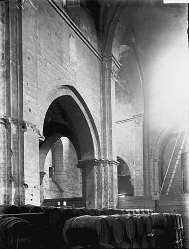 Eglise Nef: travées du côté gauche, Enlart, Camille (historien),