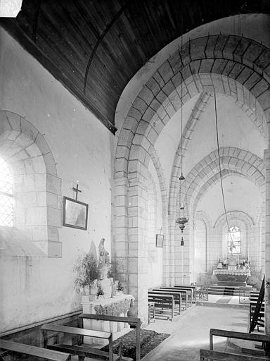 Eglise Vue intérieure de la nef vers le choeur, Heuzé, Henri (photographe),