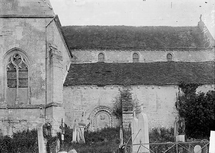Eglise Saint-Gervais Façade latérale et cimetière, Enlart, Camille (historien),