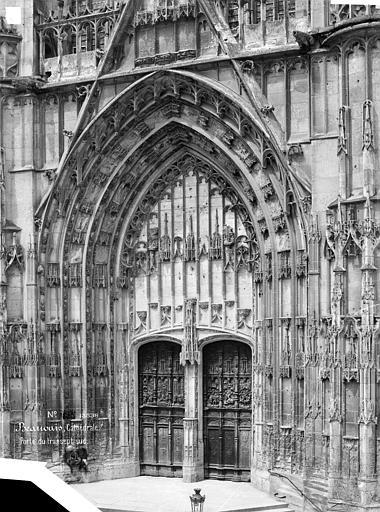 Cathédrale Saint-Pierre Portail du transept sud, Mieusement, Médéric (photographe),