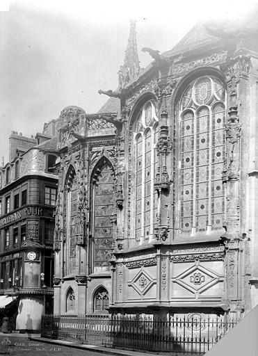 Eglise Notre-Dame-de-Froide-Rue (ancienne) ou Eglise Saint-Sauveur (actuelle) Abside : fenêtres restaurées, Durand, Jean-Eugène (photographe),