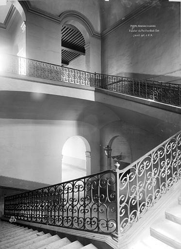 Hôtel des Invalides Escalier, Durand, Eugène (photographe),