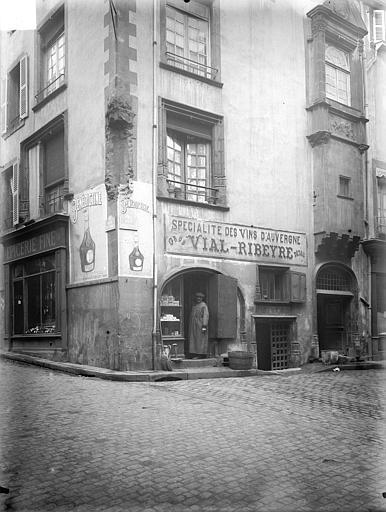 Maison du 16ème siècle Façades sur rues, Lefèvre-Couton (photographe),
