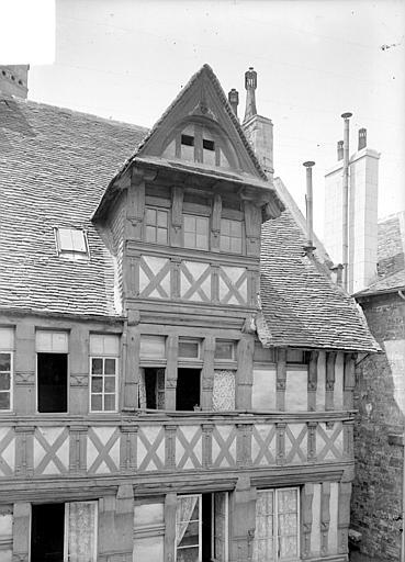 Maison Lucarne, Heuzé, Henri (photographe),