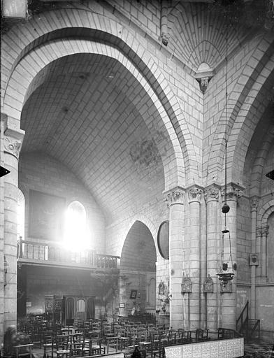 Eglise Saint-Hilaire-de-la-Celle ; Chapelle des Carmélites Vue intérieure de la nef vers le nord-ouest, Gossin (photographe),