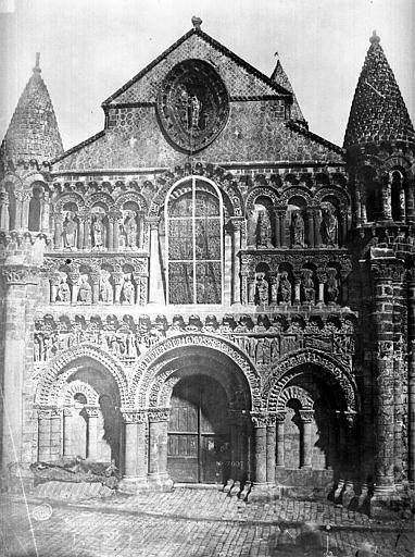 Eglise Notre-Dame-la-Grande Façade ouest, Mestral ; Le Gray, Gustave (photographe),