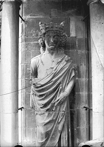 Cathédrale Notre-Dame Statue de roi dit Louis le Gros, Lajoie, Abel,