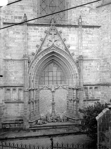 Cathédrale Saint-Pierre Portail de la façade nord, muré, Cardinal, Maurice (photographe à Vannes),