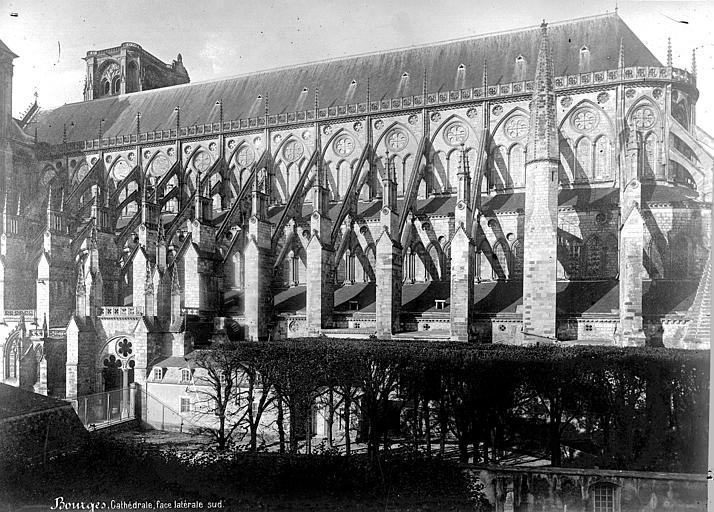 Cathédrale Saint-Etienne Façade sud, Mieusement, Médéric (photographe),