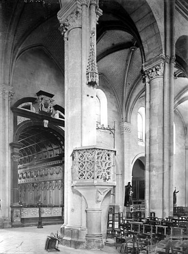 Cathédrale Saint-Jean et Saint-Etienne Chaire à prêcher, Enlart, Camille (historien),