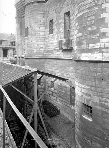 Château de Vincennes Donjon : Partie inférieure et 1er étage, Durand, Jean-Eugène (photographe),