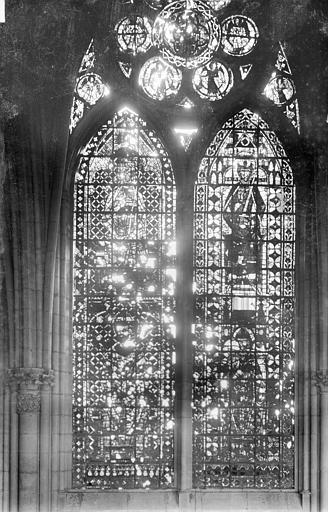 Cathédrale Notre-Dame Vitrail, baie de la nef côté sud, 4e travée, Sainsaulieu, Max (photographe),