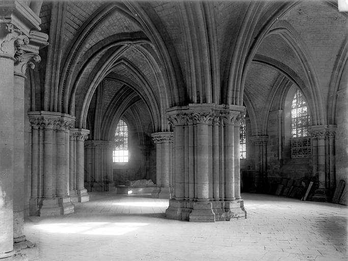 Cathédrale Saint-Etienne Crypte : Vue d'ensemble, Durand, Jean-Eugène (photographe),