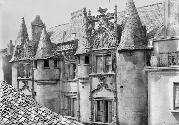 Prévôté (ancienne) Façade sur la rue, partie supérieure, Durand, Eugène (photographe),