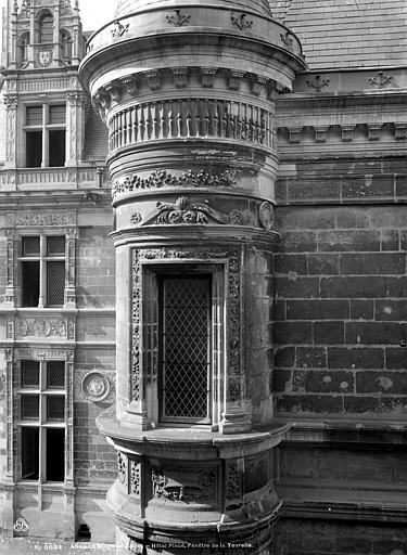 Hôtel Pincé Façade sur la rue de l'Espine : Tourelle de gauche, Berthault (photographe),