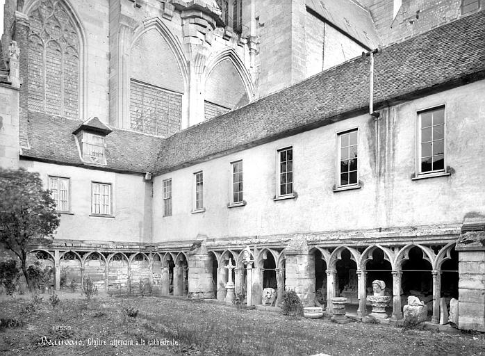 Cathédrale Saint-Pierre Cloître : galerie d'arcades, Mieusement, Médéric (photographe),