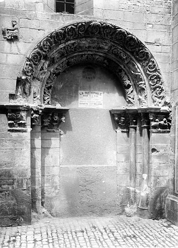 Eglise Saint-Philibert (ancienne) Porche sud, mur, Durand, Eugène (photographe),