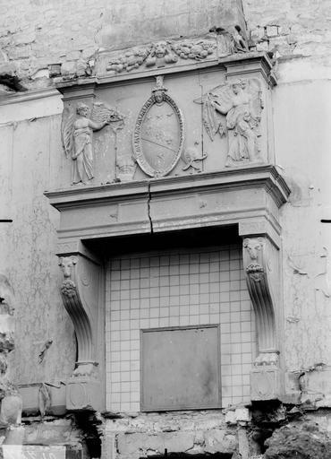 Hôtel Montlaurent Cheminée, Verneau, G.,