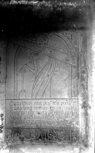 Eglise Pierre tombale, Enlart, Camille (historien),
