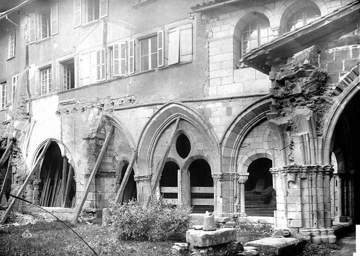 Cathédrale Saint-Martin Cloître : galerie d'arcades côté est, Mieusement, Médéric (photographe),