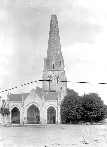 Eglise Saint-Gervais-Saint-Protais Vitrail, tympan, Leprévost (photographe),