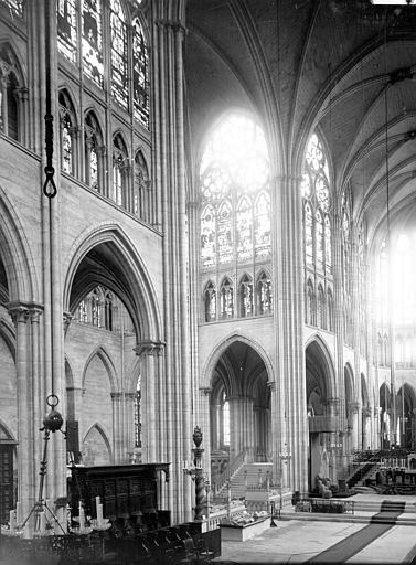 Eglise abbatiale Croisée et choeur, Enlart, Camille (historien),