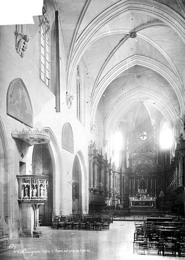 Eglise Saint-Pierre Intérieur : nef, vue de l'entrée, Mieusement, Médéric (photographe),