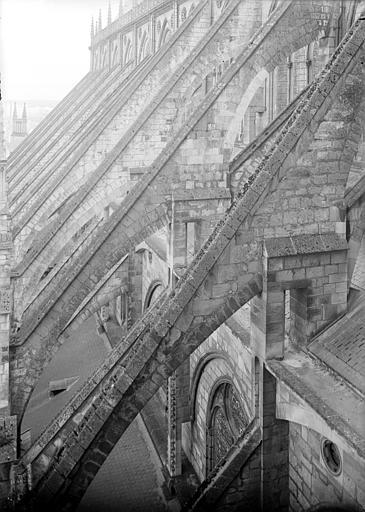 Cathédrale Saint-Etienne Arcs-boutants : vue d'ensemble, Doucet ; Baudet (photographe),