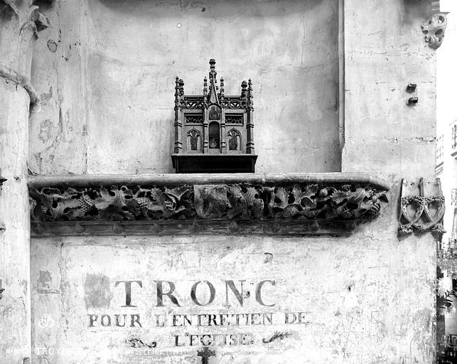Eglise de la Madeleine Frise, Robert, Paul (photographe),