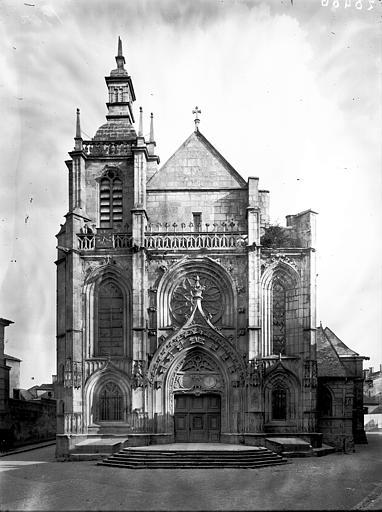 Collégiale Saint-Pierre (ancienne) ; Eglise Saint-Etienne Façade ouest, Enlart, Camille (historien),