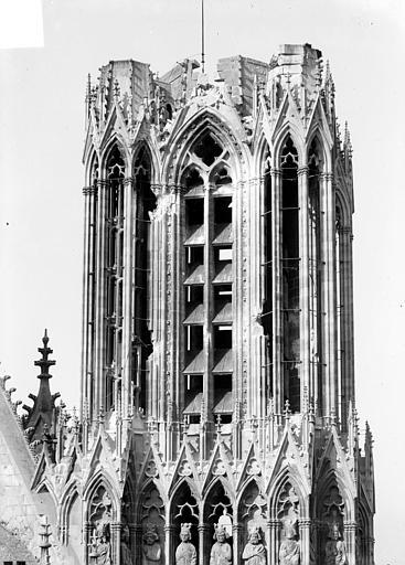 Cathédrale Notre-Dame Tour sud : Partie supérieure, Sainsaulieu, Max (photographe),