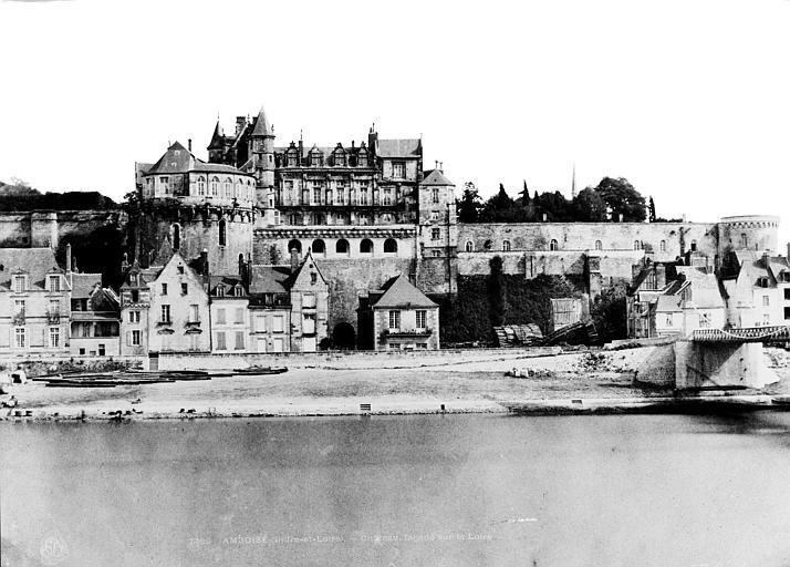 Château Façade sur la Loire, Mestral ; Le Gray, Gustave (photographe),